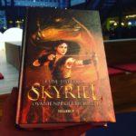 """Skyriel"" (Ovanienprofetierne #1) af Lene Dybdahl"