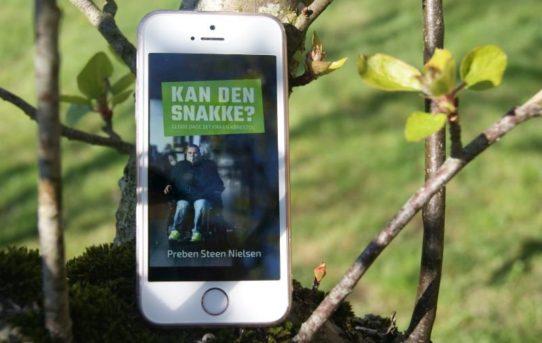 """""""Kan den snakke? – 12.000 dage set fra en kørestol"""" af Preben Steen Nielsen"""